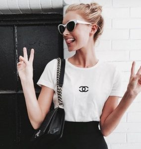 Basic Chanel T-shirt for fashionable look