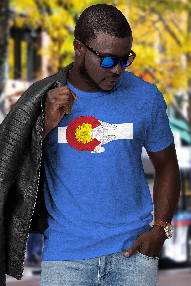 A man wears Colorado T-shirt on colorado day on the street