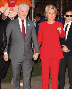 Celebrities in Bill and Hillary Clinton costume on Halloween