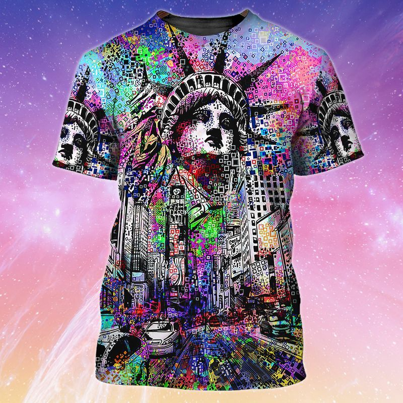 Street Art T-shirt of Trends store New York and Statue of Liberty, Times Square