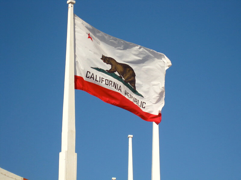California t-shirt Is So Famous, But Why?