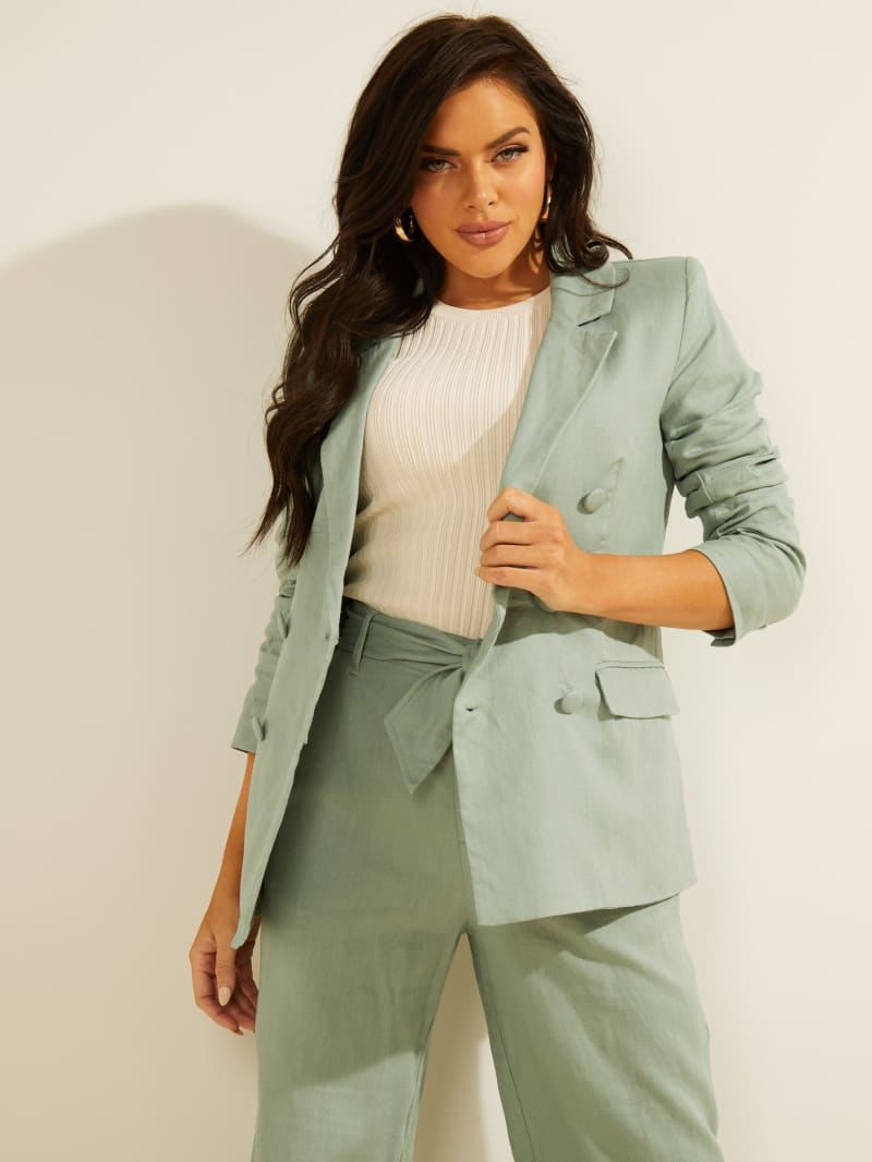 Blazer is an item that works well with any of your transitional weather pieces