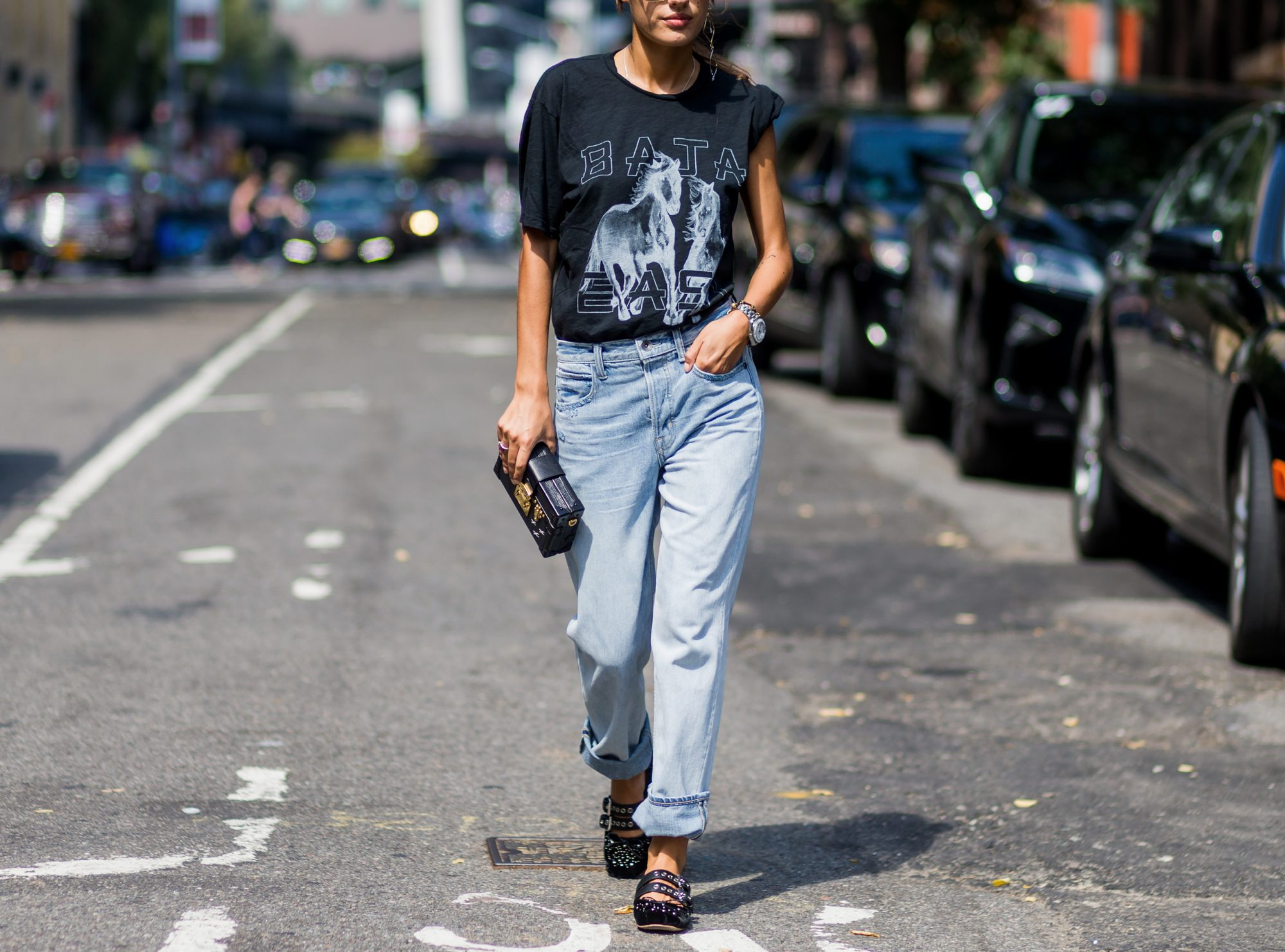 A T-shirt and jeans are perfect for fall festivals